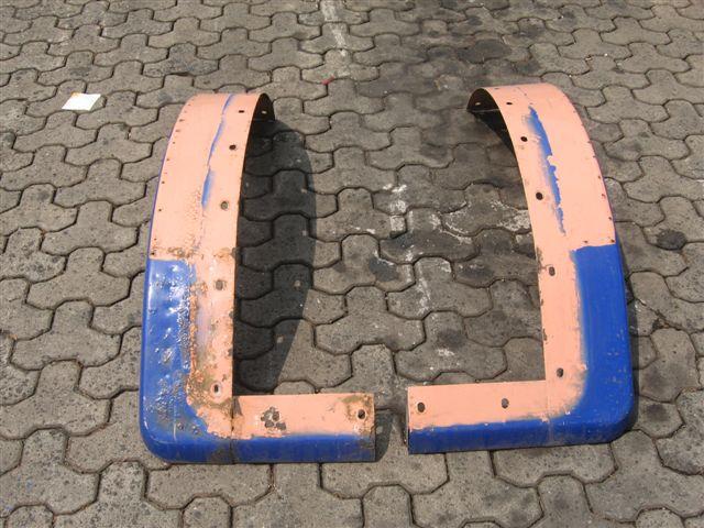 zu verkaufen gebrauchter rechter und linker Kotflügel für MAN F08 aus Metall